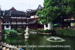 Shanghai One Day MPV Mini Group Tour to Zhujiajiao Water Town, Oriental Pearl TV Tower, The Bund & Huangpu River Cruise