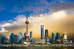 Classic Shanghai Private Day Trip to Jade Buddha Temple, Yuyuan Garden, Chenghuangmiao Market, Oriental Pearl TV Tower, The Bund, Nanjing Road & Huangpu River Cruise